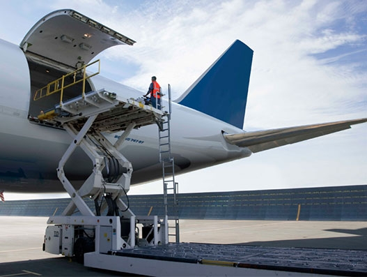 Air Charter Service transports 100 tonnes of confectionary to Peru | Air Cargo