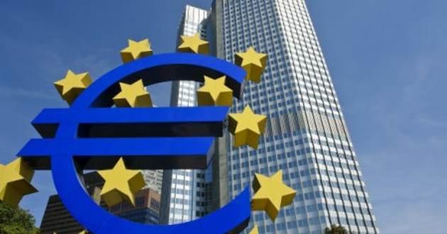 La forza dell'euro spaventa Draghi. Più cautela sul tapering