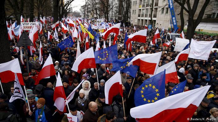 La Commissione Europea apre una procedura contro la Polonia