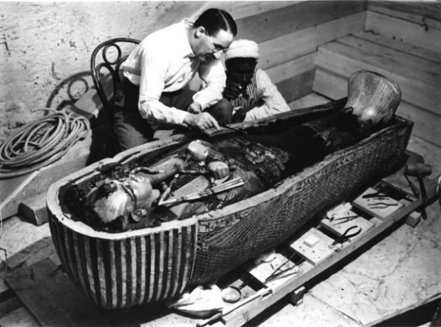 26 novembre 1922: Howard Carter scopre la tomba di Tutankhamon