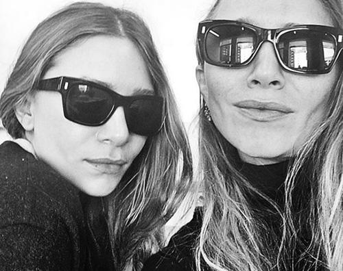 Primo selfie pubblico per le gemelle Olsen