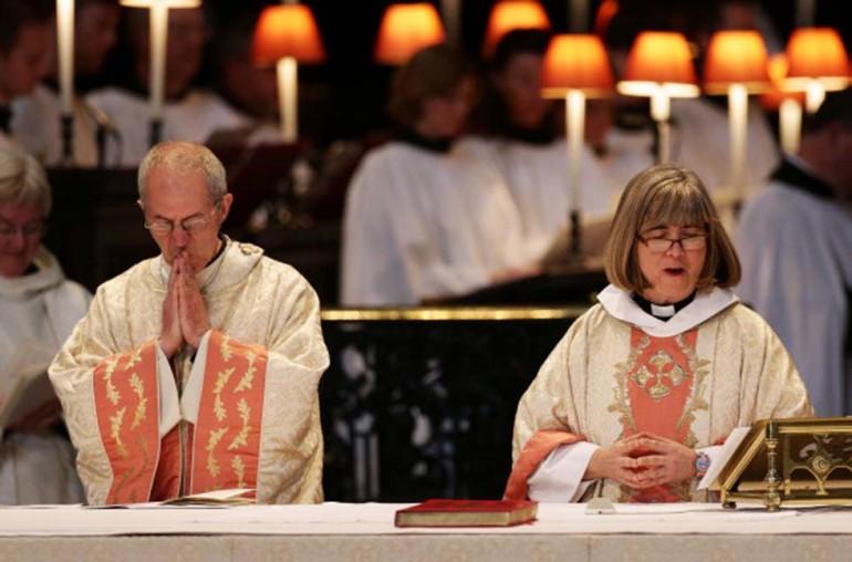 11 novembre 1992: La Chiesa anglicana apre al sacerdozio femminile