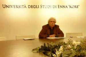 """Salerno svuota la fondazione Kore e blinda la """"sua"""" Università"""