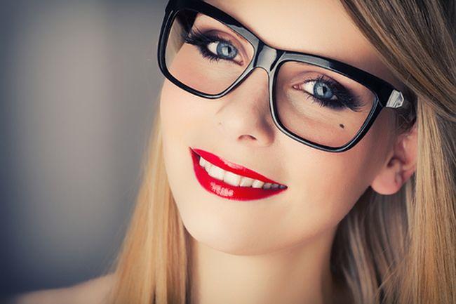 Il make up perfetto per chi indossa gli occhiali