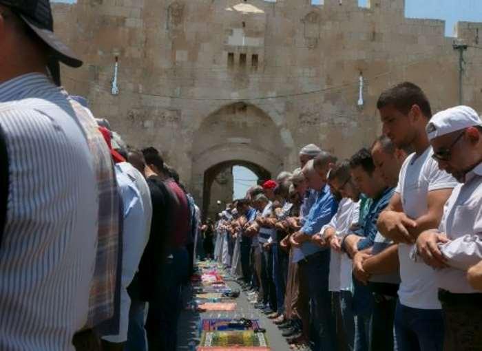 I metal detector di Netanyahu ennesima provocazione per i palestinesi che adesso minacciano una nuova Intifada