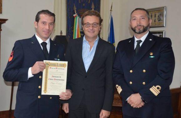 Salvò due vite in mare. Benemerenza per Filippo Catalano