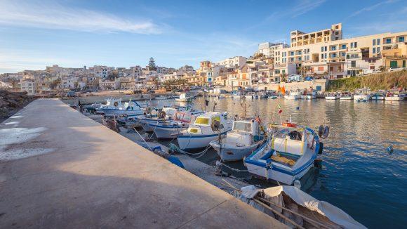Lavori urgenti per la banchina del Porto di Marinella