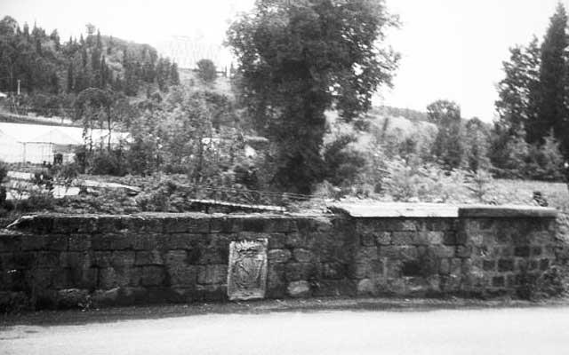Cassia Antica, quell'antico ponte con lo stemma che non c'è più…