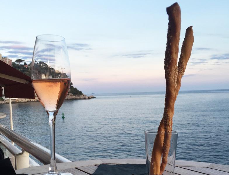 Aperigitiamo! Arriva l'aperitivo in barca... Made in Liguria