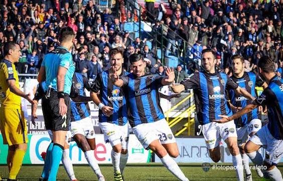 In Serie B continua la lotta per il vertice