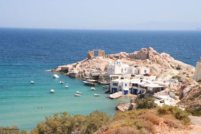 Alla scoperta dell'isola di Milos: un viaggio tra profumi e colori