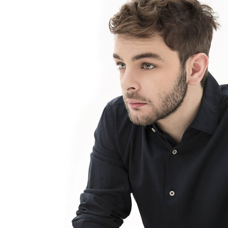 'D'improvviso' è il nuovo singolo di Lorenzo Fragola! TESTO