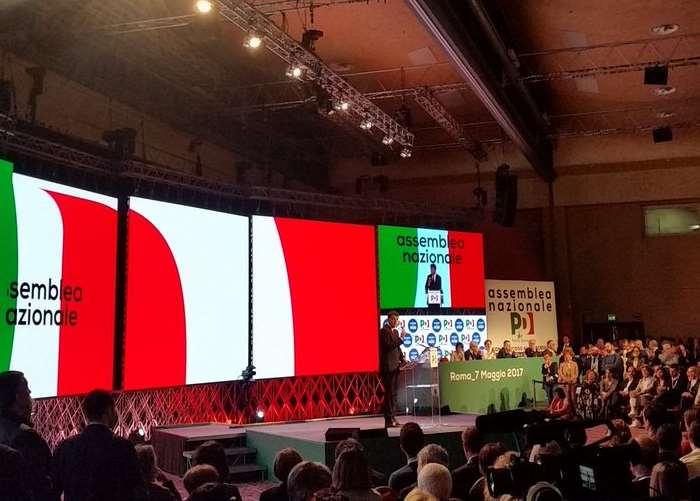 L'Assemblea Nazionale del Partito Di Renzi (ri)nomina Renzi segretario