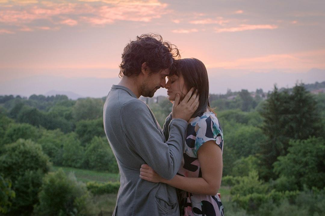 The Space Between dal 4 maggio al cinema: le scelte dei trentenni in un film romantico e coinvolgente