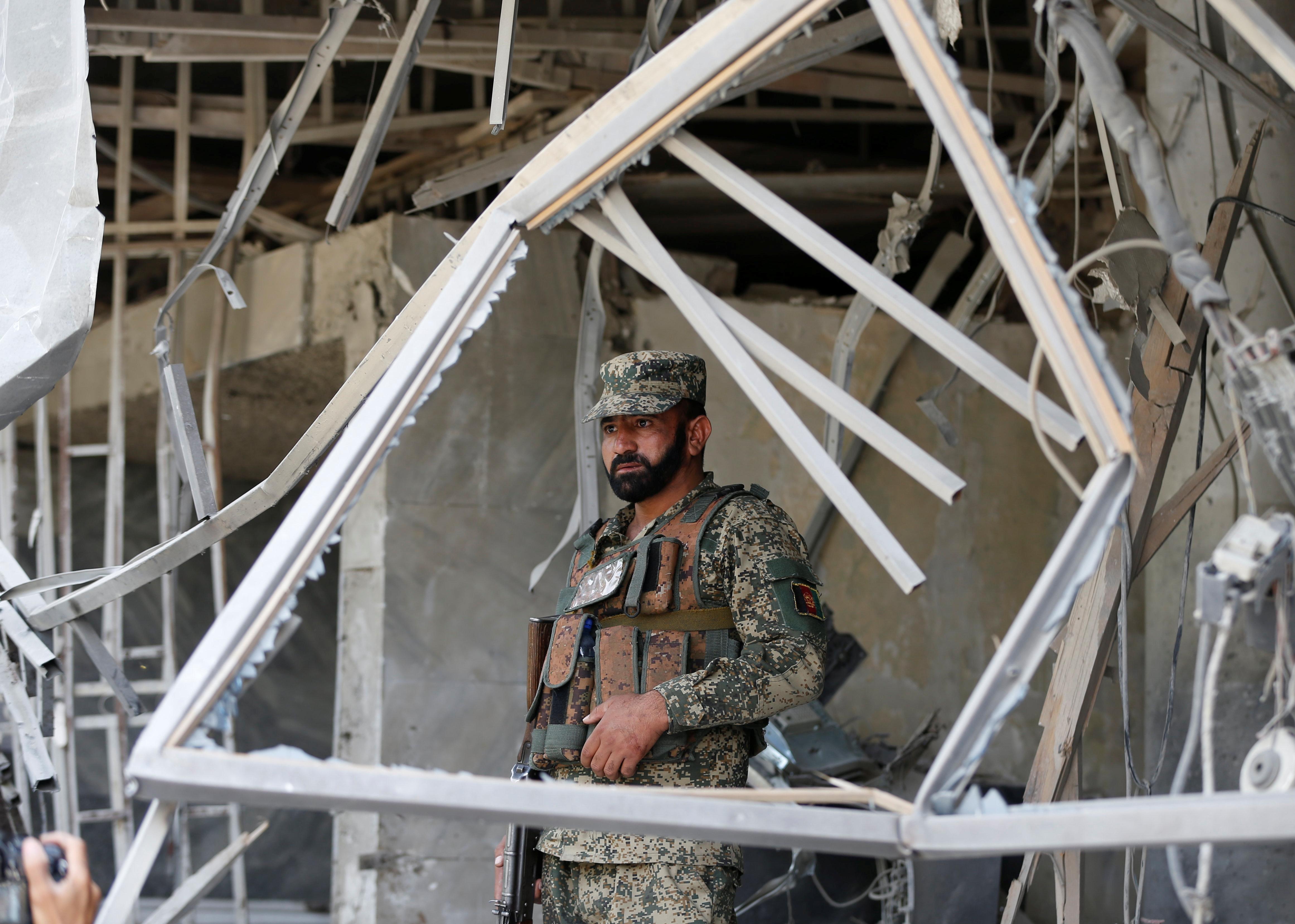 Afghanistan: Talebani rivendicano attentato suicida a Kabul vicino ambasciata USA » Guerre nel Mondo