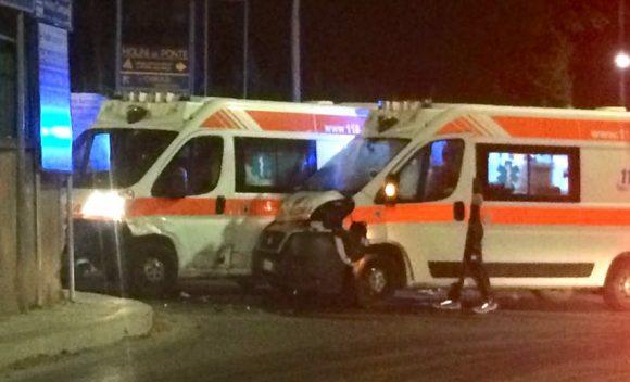 Scontro tra due ambulanze vicino l'ospedale di Castelvetrano