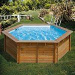 Un tuffo in piscina: refrigerio d'estate
