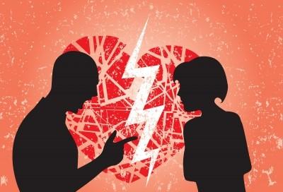 Le (stupide) 7 ragioni per cui le persone non interrompono una relazione sebbene siano infelici