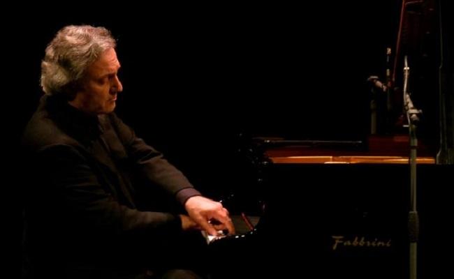 Lieder e Tablet: un rapporto d'Amore Al Teatro Sala Umberto di Roma, la musica classica nell'era del digitale