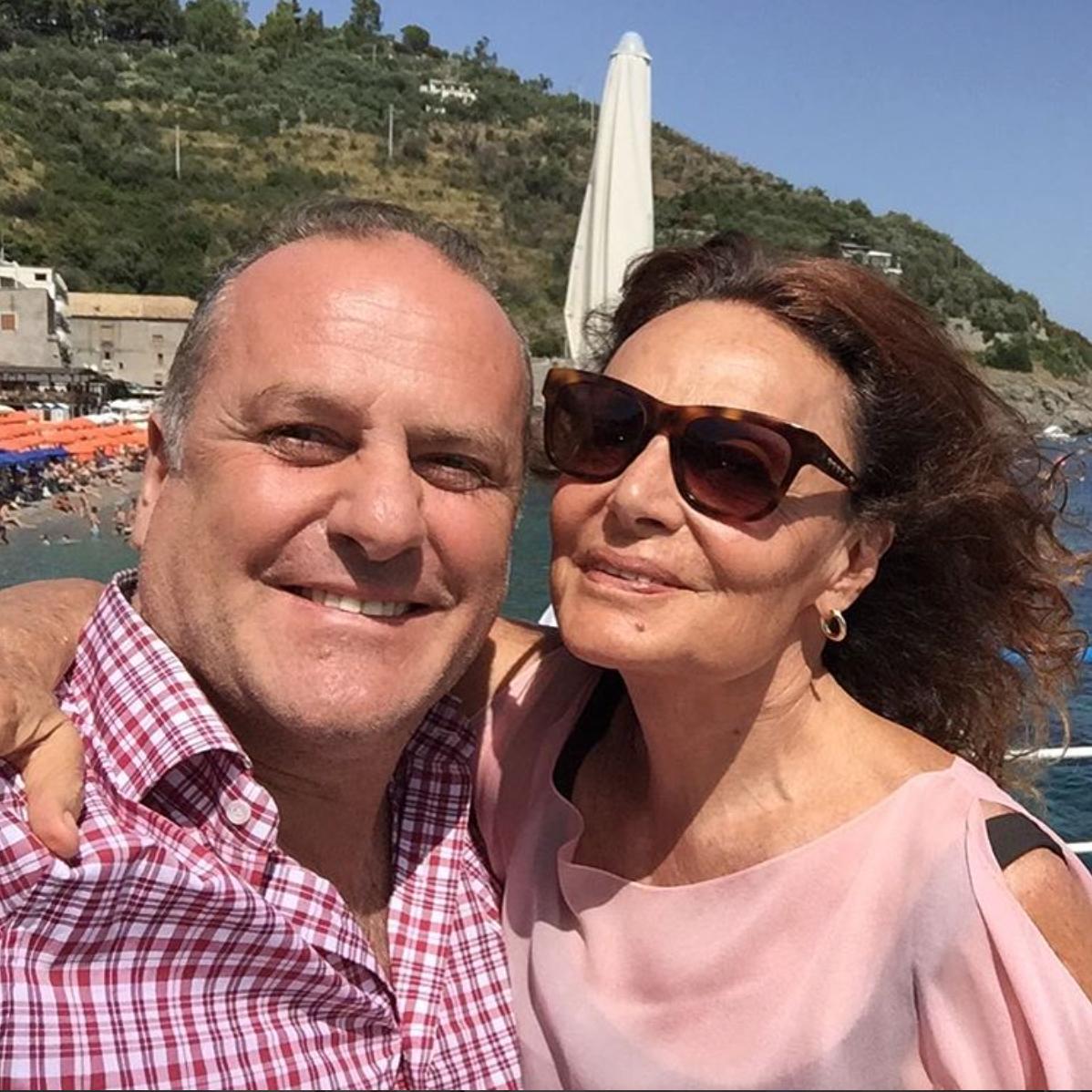Tom Hanks è in Italia! Un party super esclusivo e la vacanza con la moglie a…