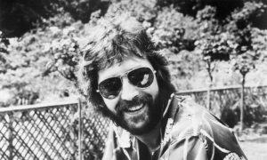 Eric (pomo della discordia) Clapton: Lory e Carlà si accapigliano ancora per lui