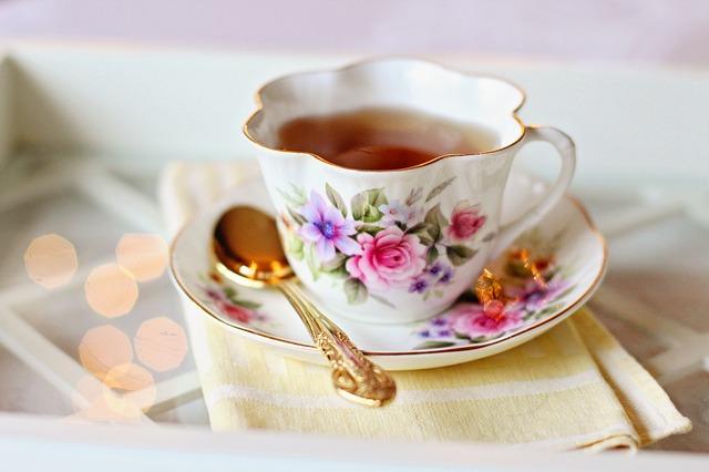 Cosa è da preferire dopo il pranzo: il tè o il caffè?