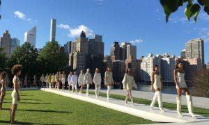 New York Fashion Week: la sfilata di Kanye West sorprende, presenti tutte le Kardashian