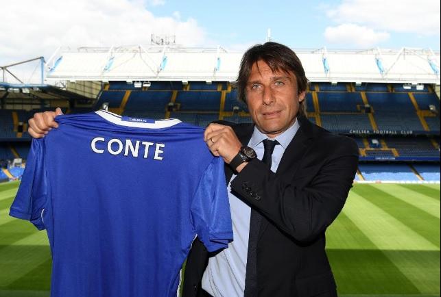 L'ex ct della Nazionale Antonio Conte presentato dal Chelsea