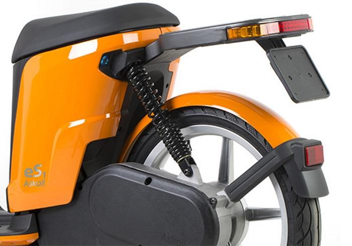 Disponibile lo scooter elettrico Askoll, stiloso e femminile