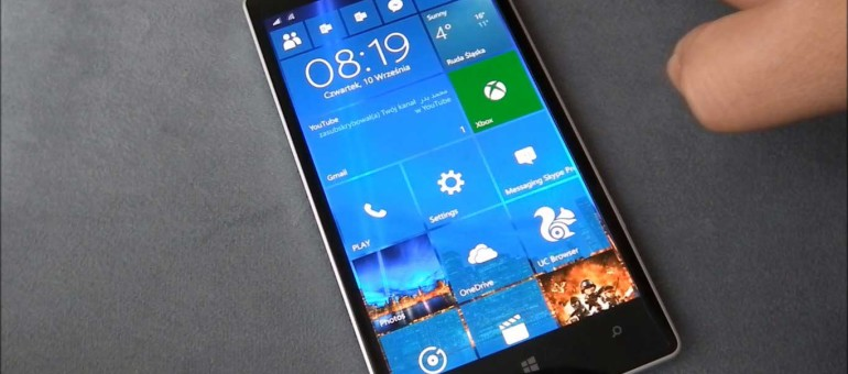 Nokia Lumia 930 con Windows 10: 2 anni dopo | Surface Phone Italia