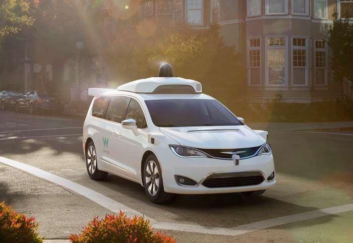 Waymo gestirà la sua flotta di auto a guida autonoma a Phoenix tramite Avis