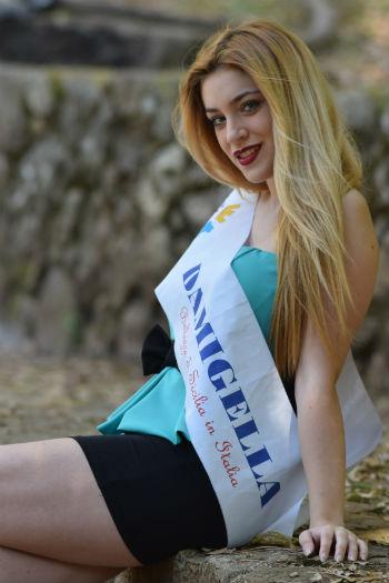 """Ragazza ennese scelta come testimonial nel manifesto di un concorso nazionale di """"Bellezze"""""""