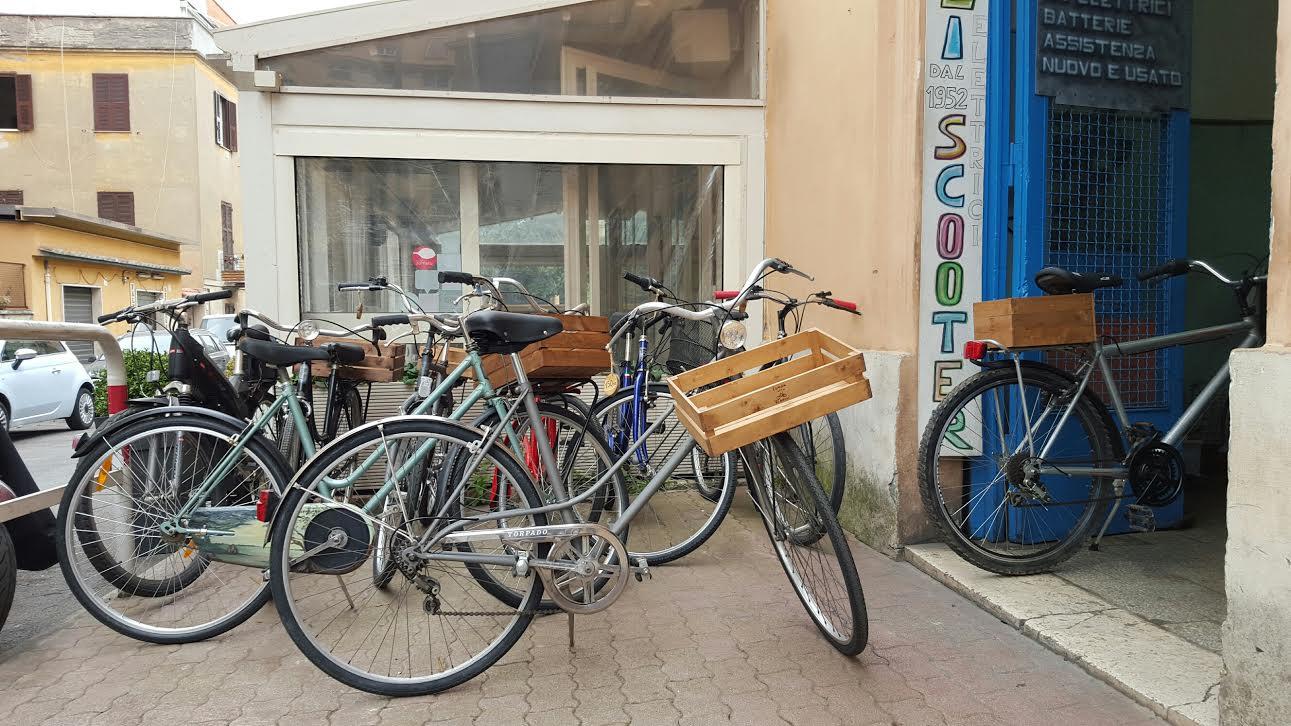 Ponte Milvio, lunga vita ai ribelli in bici