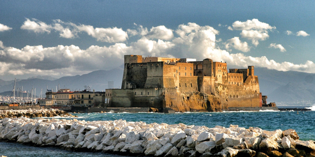 Castel dell'Ovo a Napoli, origini e storia