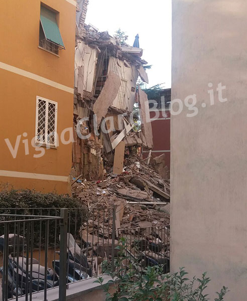 Crollata una palazzina a Ponte Milvio