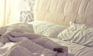 Gli hotel cambiano veramente le lenzuola? [VIDEO]