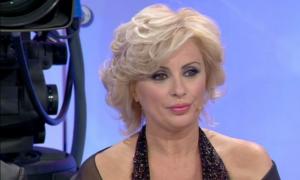 """Uomini e Donne, Tina Cipollari: """"Gemma Galgani avrebbe bisogno di un badante"""""""