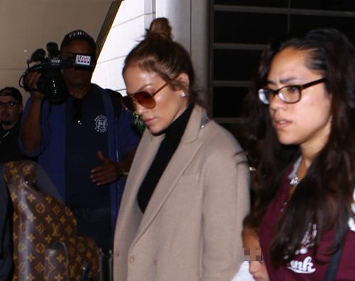Jennifer Lopez viaggia con i suoi bambini