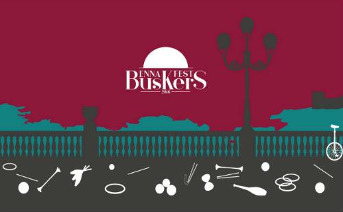 Enna. Coinvolta una città intera al primo Buskers Fest, oltre 50 artisti per le vie del centro...