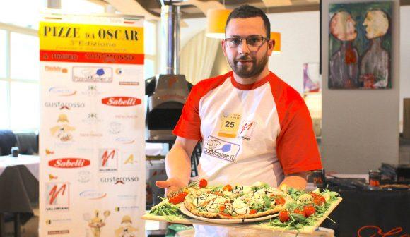 """Pizza da """"Oscar"""" per il giovane Francesco Bologna"""