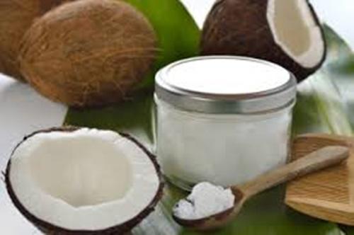 Un articolo che mette in discussione le proprietà benefiche dell'olio di cocco