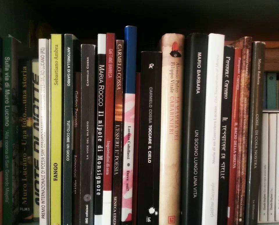 Libri contro e-book