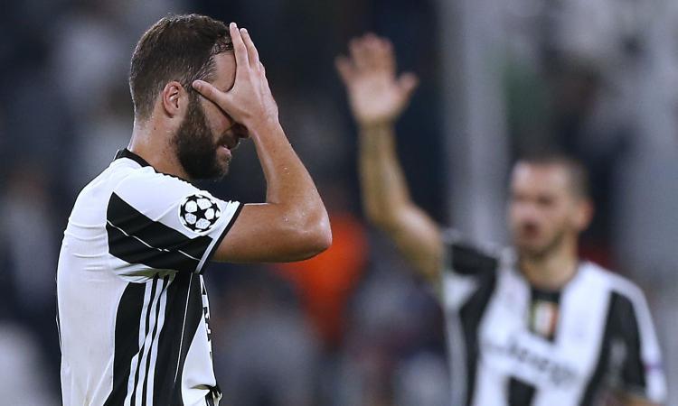 Juventus in ansia per Higuain, si ferma nella rifinitura: le condizioni del pipita