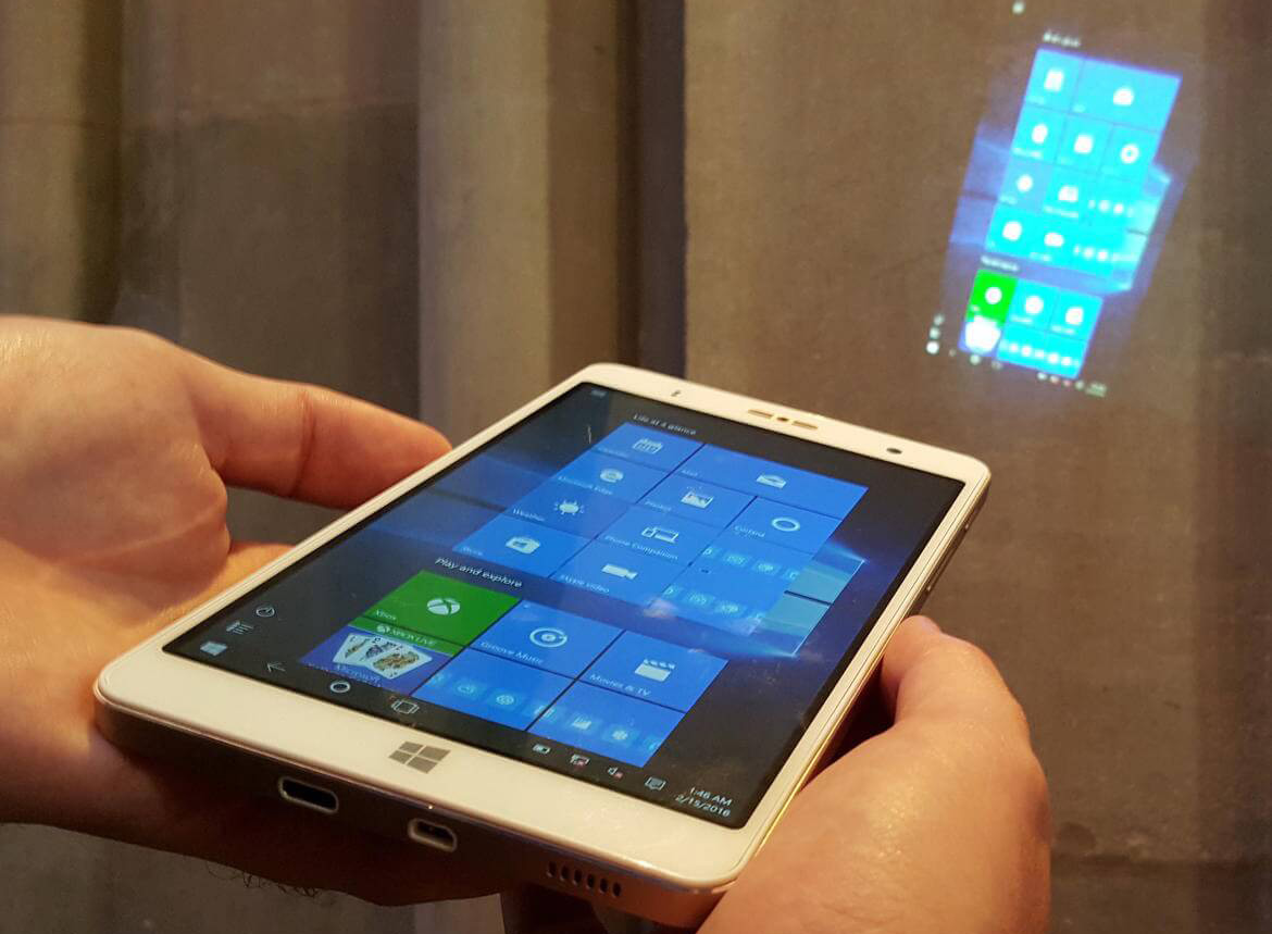 Holophone: il phablet con Windows 10, proiettore e processore intel x86 | Surface Phone Italia