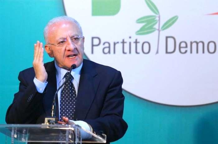 Matteo Renzi glissa su De Luca, affermando che è un ottimo amministratore. A questo punto il voto di scambio diventerà legge?
