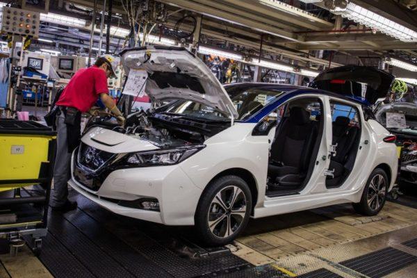 Avviata la produzione della nuova generazione della Nissan LEAF, auto 100% elettrica