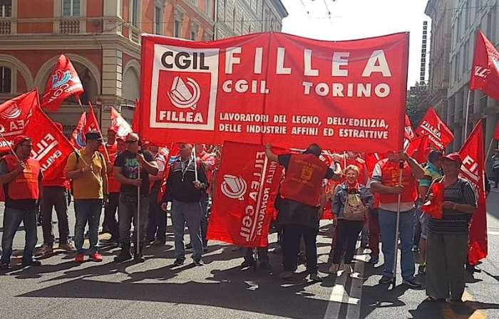 Gli edili in sciopero per pensioni, lavoro e contratti