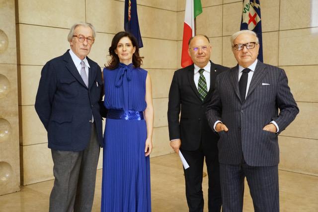 Rossana Rodà presenta l'Associazione per lo Scambio Economico Italo Eurasiatico e premia tra gli altri Vittorio Feltri