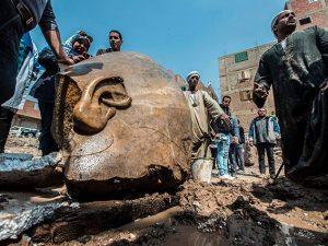 Egitto: Scoperta gigantesca statua del faraone Ramses II nei pressi Eliopoli